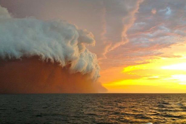tsunami-polvo-rojo-australia-2