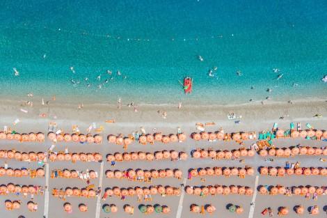 positano-orange-umbrellas